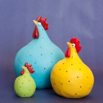 Hens in thee sizes