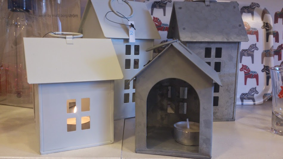Yay house tealight holders are back in, two sizes in white or zink.