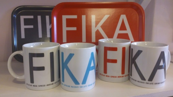 In grey, turquoise and red, large mugs perfect for that big cup of coffee!