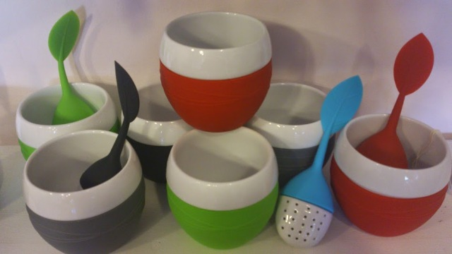 Just love the happy colours on the Tea mugs (or as Ruth said, perfect little soup cup).