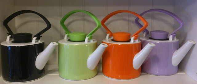QDO Cylinder Porcelain Teapots