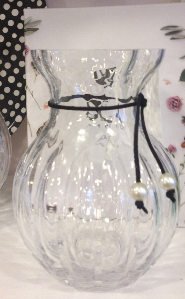 Romantic glass vase in two sizes