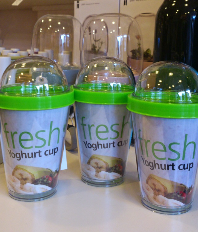 By Sagaform, make your own yoghurt cup on the go. Yoghurt and the your choice of topping. Brilliant