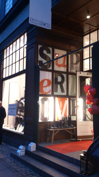 SuperLove is SuperLivings own shop! So of course a little visit was needed :)